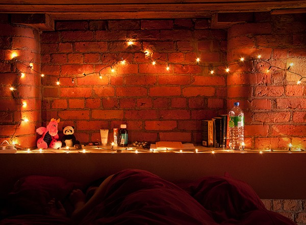Using String Lights Bedroom : L&L LOOK BOOK: Beautiful Uses Of Outdoor String Lights [Lighting Ideas Photo Gallery] Lights ...