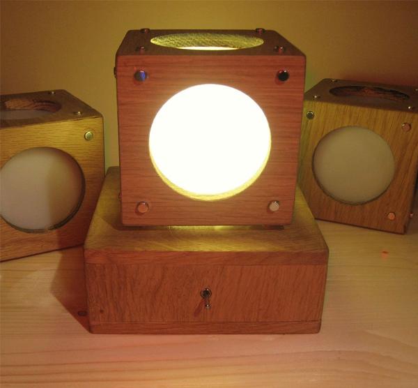 Magnet Lamp